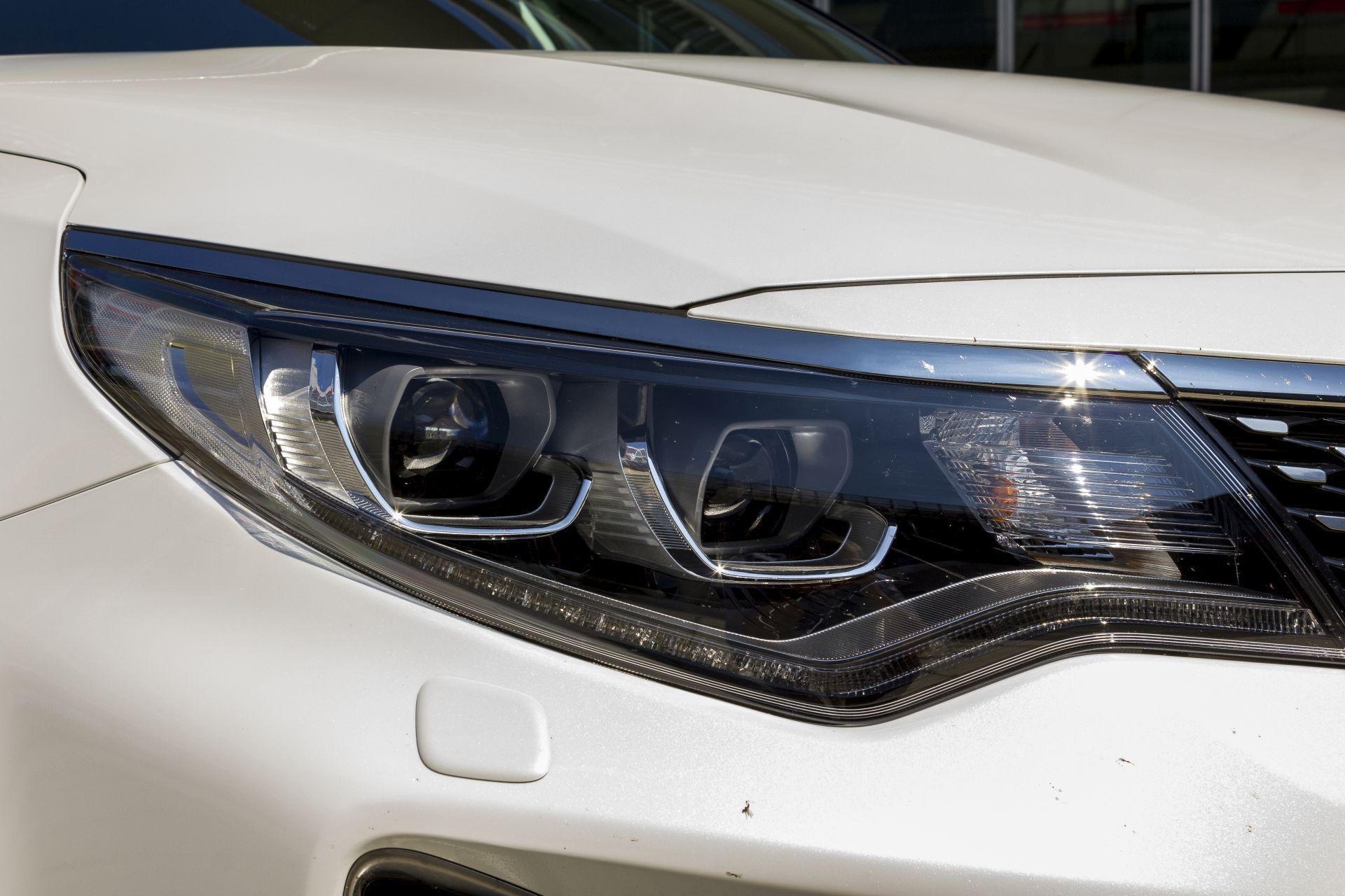 Kia-Optima-Sportswagon-LED-Licht.jpg